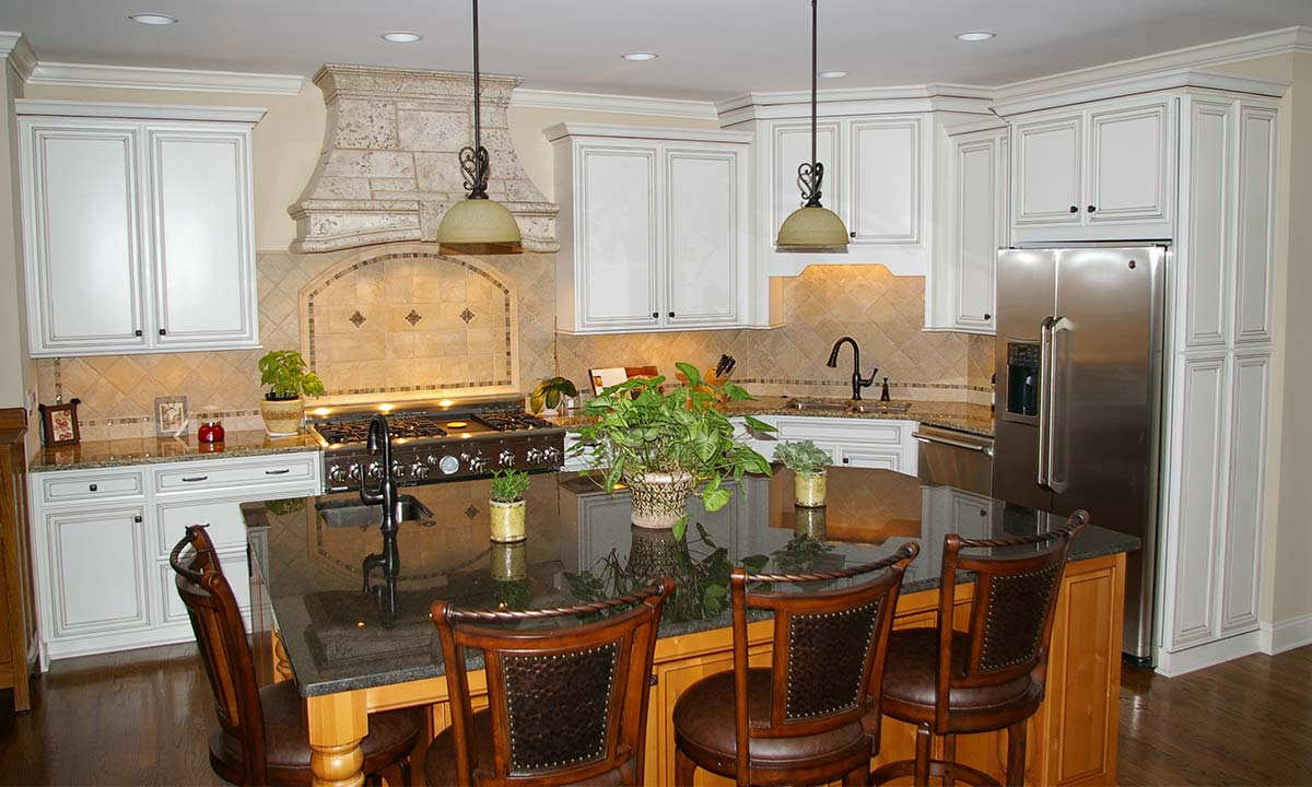 Photo showing the updated kitchen after the remodel