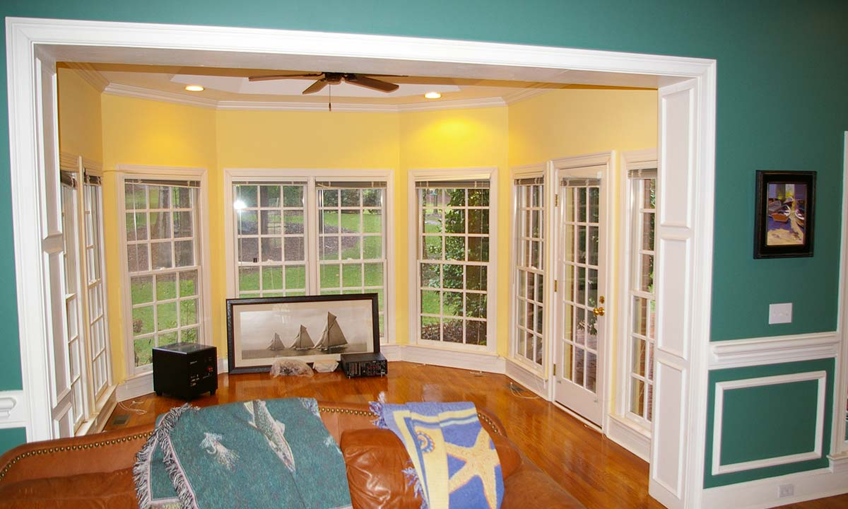 Picture of the original unused sunroom that was converted into a home office