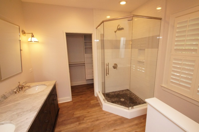 Old Home Remodel Heres What To Expect For An Older Home Renovation - Old home bathroom remodel