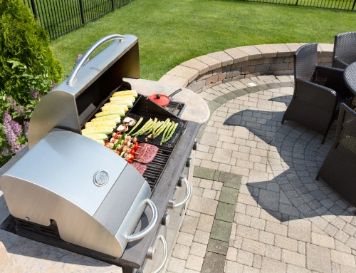 Update your backyard with a custom outdoor kitchen